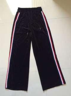 Black gamuza- Wide leg track pants