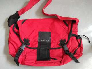 Diesel red messenger bag 斜揹 側揹袋