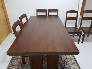 Solid wood dining table and chairs. Mahagony