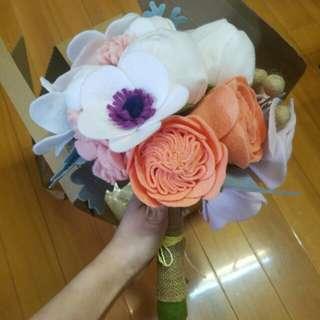 手作毛絨花球 原價過千 包襟花一隻 phoe.x accessories handmade fabric special flower bouquet uniqle 特別獨有 wedding prewedding 婚禮