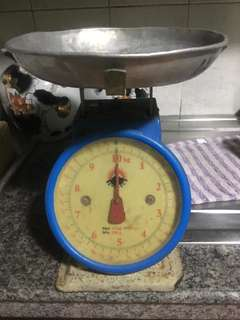 Dial weighing scale