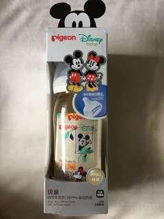 Pigeon Mickey and Minnie Milk Bottle (White)