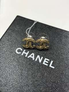 Chanel 中號金鑚 凸花耳環 全新購自巴黎