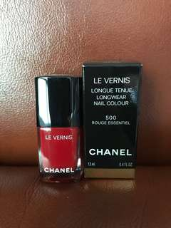Chanel Le Vernis Nail Polish in 500 Rouge Essentiel