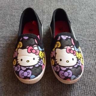 (FREE SHIPPING) Hello Kitty Slip On (Size 26)