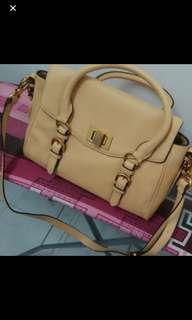 Charles & Keith shoulder bag L size