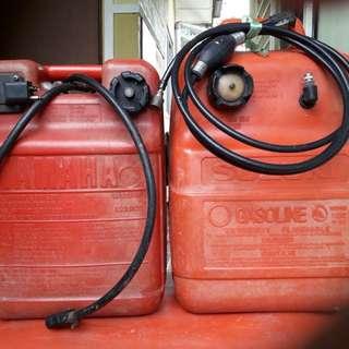 Tong minyak enjin sangkut