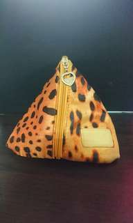 🚚 豹紋三角化妝包