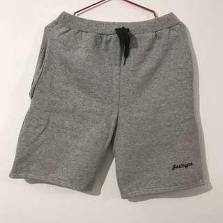Topshop 灰色短褲