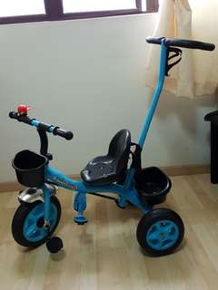 Tricycle with Handlebar