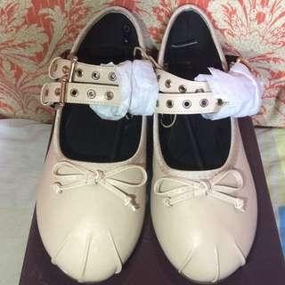 Parisian comfy flat shoes