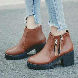 Sepatu boots