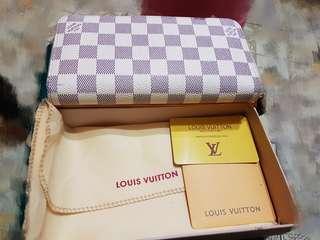 LV白色棋盤格長夾N60012