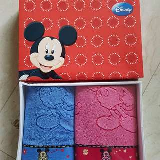 Disney towel gift set