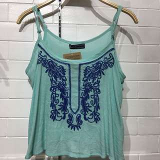 (BRAND NEW) Teal embroidered top