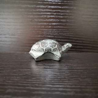 Cast ironTurtle figurine