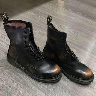 🚚 擦色牛皮馬丁靴