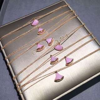 Bvlgari 粉紅小扇雙鏈手鏈