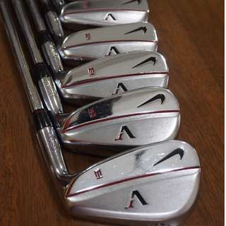 Tiger Woods Nike Victory Red Forged TW Blade Irons + SQ Dymo 3W & 5W + 52, 56, 60 degree wedges + Nike golf bag