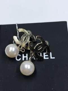 Chanel Earrings 大logo 夾款 全新購自巴黎