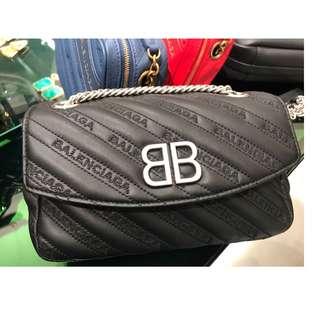 BALENCIAGA ~ BB ROUND M