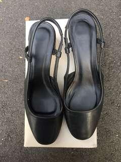 Vincci Black Platform Heels