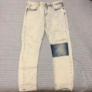 Light Washed Distressed Jean