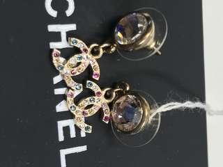 Chanel 罕有季節限定版 彩石Logo 耳環全新購自巴黎