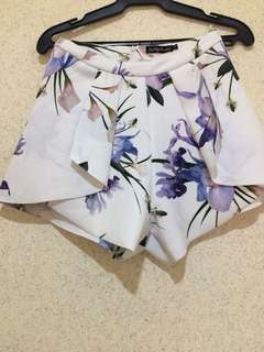 Something Borrowed White floral skort