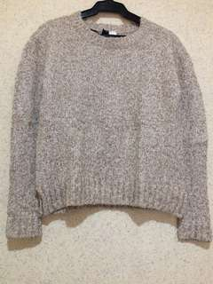 H&M Knitted cream sweatshirt