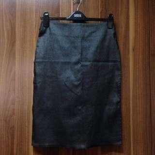 Gun metal gray stretch office pencil skirt