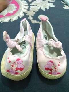 Disney prewalker pink size 2