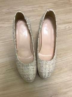 Chanel like tweed heels