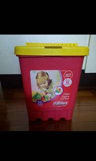 Selling PLAYSKOOL Clip Figure Bucket