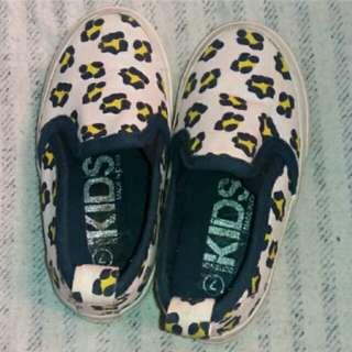 Sepatu Anak Merk Kids