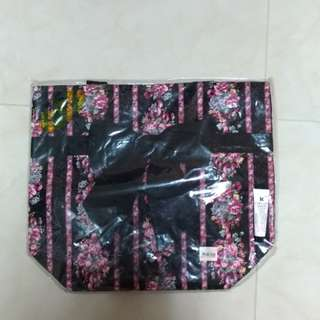 NaRaYa (NB-200/L)肩揹包(特大46*40)黑底薔薇