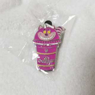 (包郵)Cheshirecat drink pin