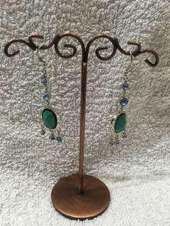 Jade-d dangling earrings
