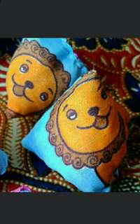 Lion Lion city singapore five stones   As featured in Northeast zone Vibes magazine, Zaobao newspapers    Children Party Favours Five Stones old School Kampong Game   For Your Child, even boys!  Five Stones pouches with Yellow