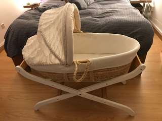 Moses basket (bassinet) with stand