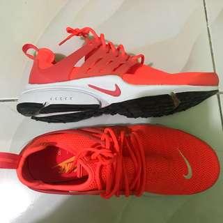 Nike Air Fresto Womens 8