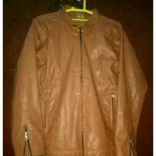 Jaket kulit wanita