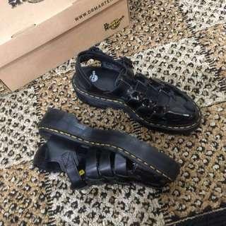 🚚 Dr.Martens(馬丁)厚底漁夫尖頭鞋