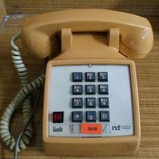 米色舊式電話(不保證正常運作)