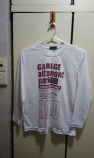 T shirt (size medium)