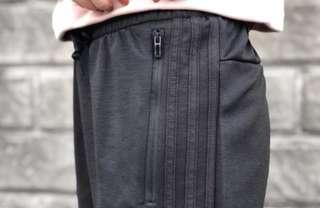 🚚 Adidas 全黑 三線褲