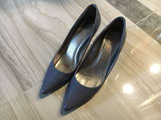 Grey high heel shoes 灰色高踭鞋