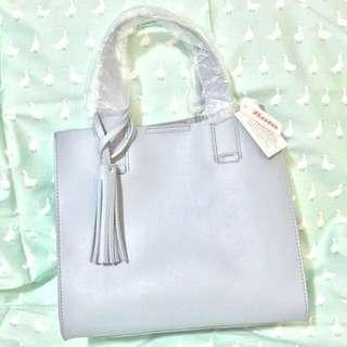 包順豐速遞瑞士品牌Bata百搭霧藍色流蘇手挽斜孭兩用手袋