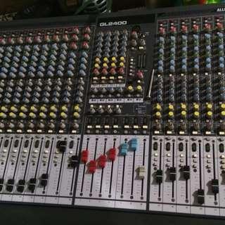 Gl2400 allen and heath mixer