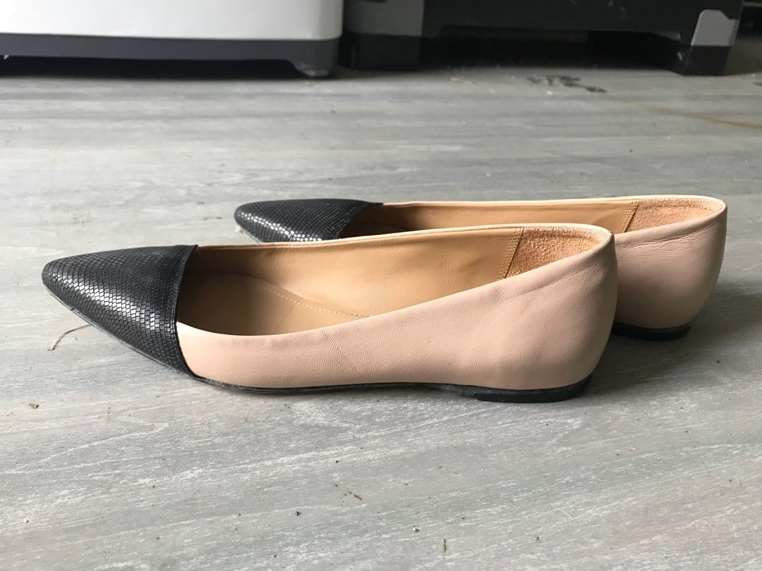 Country road ballet flats